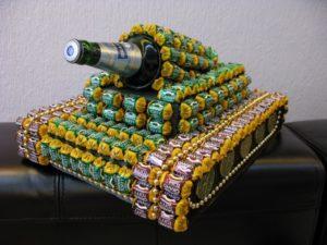 танк из конфет и пива