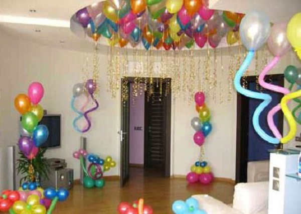 Украсить комнату к дню рождению