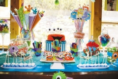 monster-birthday-party-dessert-sweets-table-3