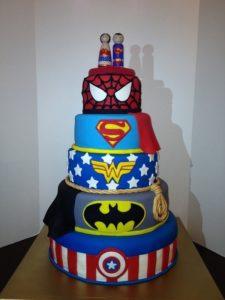 торт супергероя